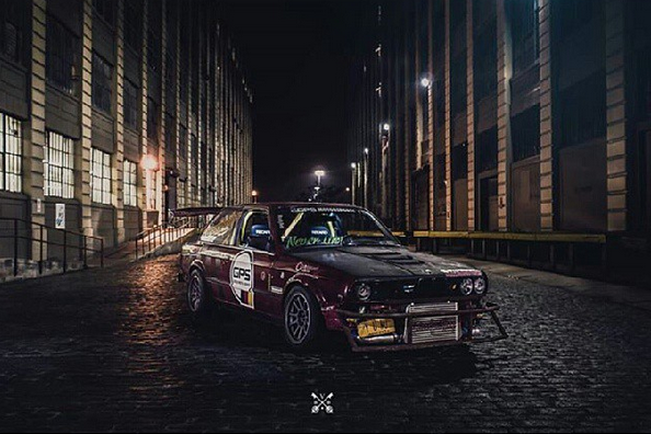 FLG's BMW 325is