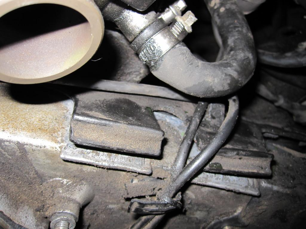 Timing Belt Water Pump Diy Step By Pictures 91greg325i Bmw 328i 21 Remove Black Plastic Cover Clamp See Picture Its A Simple Clip On Piece You May Need To Move Few Wires Out Of The