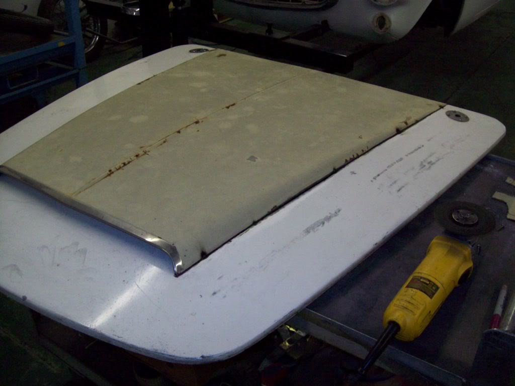 66 Volvo P1800 hood scoop