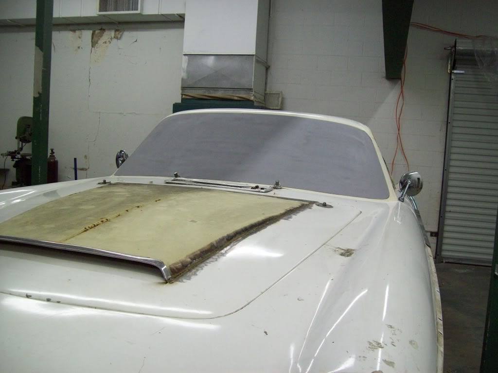 Volvo P1800 flush windshield
