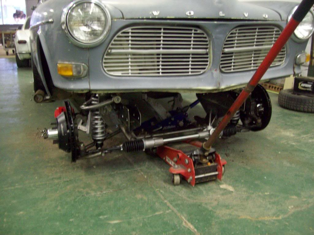 Volvo P1800 crossmember install