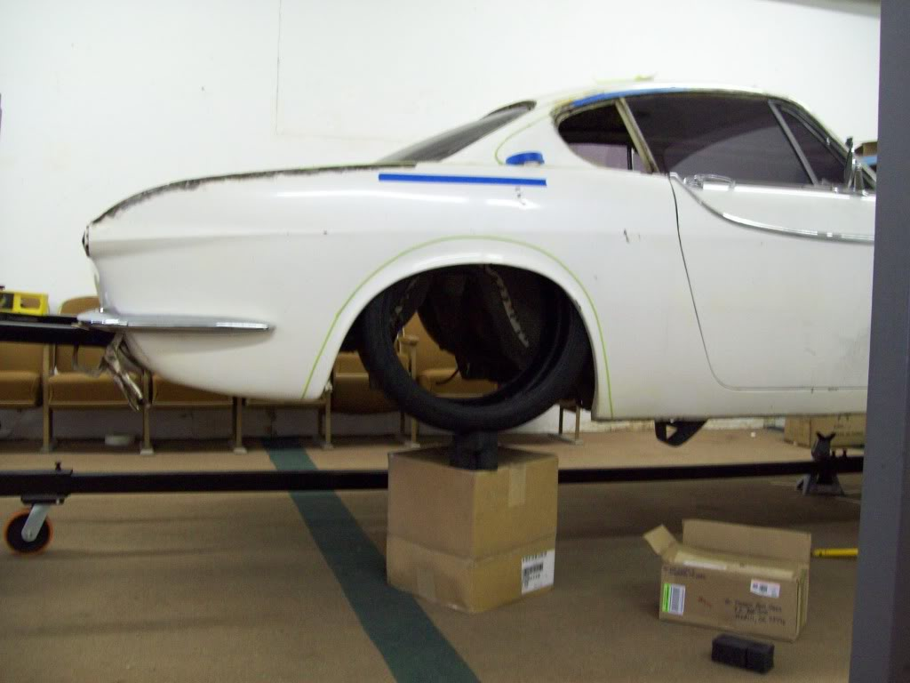 66 Volvo P1800 wheel tire fitment