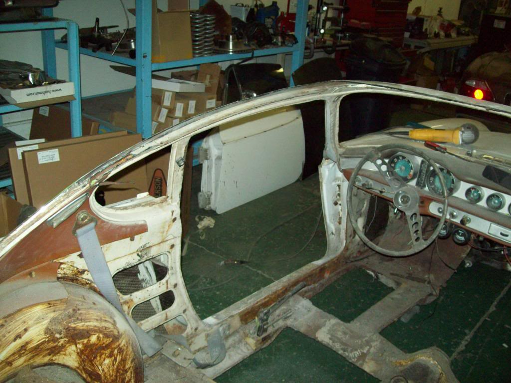 Volvo P1800 removing roof