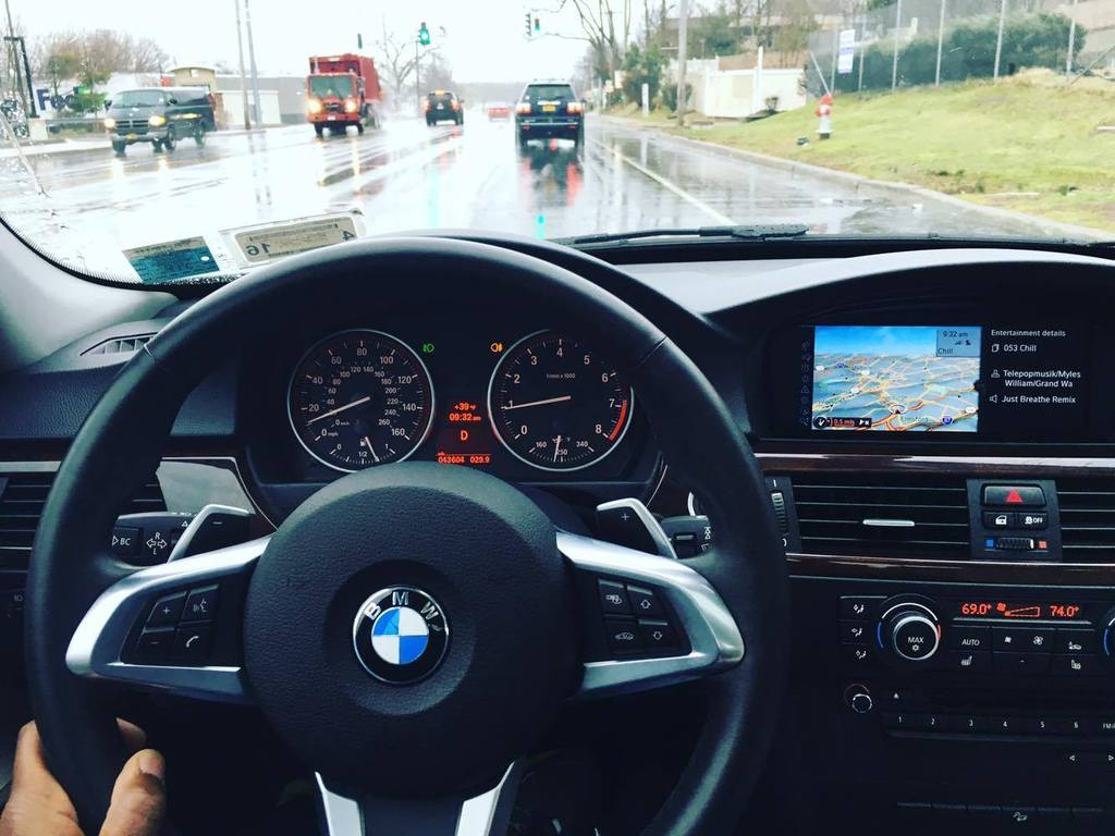 Delmarco S First E90 Mod Z4 E89 Steering Wheel To 2011